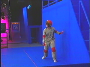 Haunted Museum Blue Screen Set with Contestant