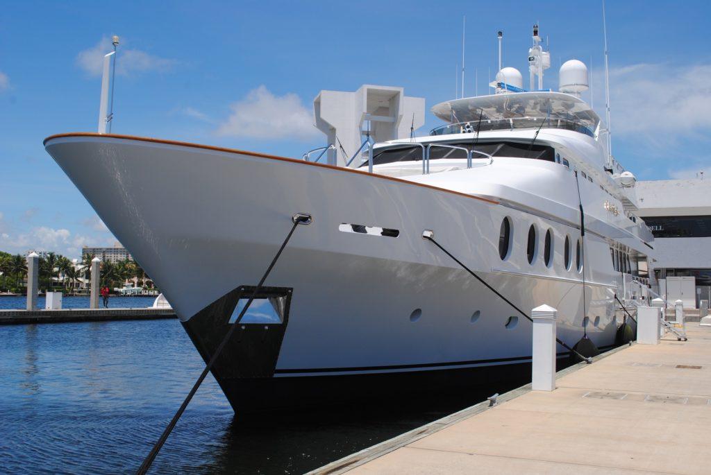 yacht-1040850_1920