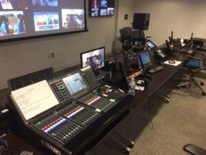 special_studio_control_editor_position_front_desk