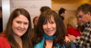 Sun Valley Film Festival Directeur de la programmation Laura Mehlhaff, à gauche, avec cinéaste Karen Day